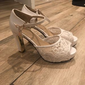 Shoes - White and gold lace heels